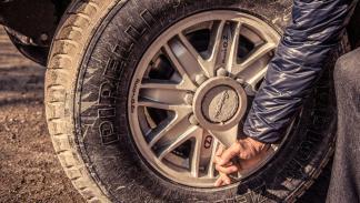 Prueba Lamborghini LM002 (rueda)