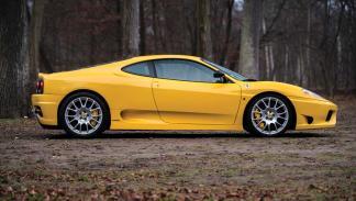 deportivo lujo radical salvaje amarillo