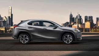 Lexus UX (lateral)