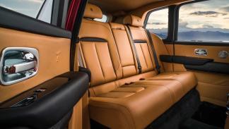 SUV de lujo grande tamaño rojo gris todoterreno cuero