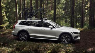 Volvo V60 Cross Country 2019 (lateral)