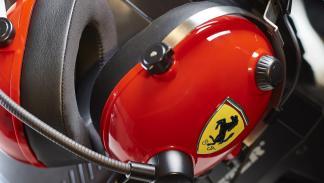 Auriculares Thrustmaster T Racing Scuderia Ferrari Edition (escudo)