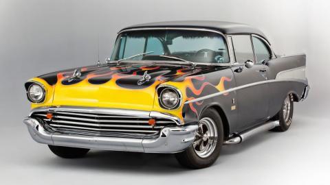 Chevrolet Bel Air Ringo Starr llamas amarillas decoracion preparacion