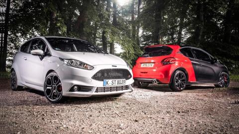 Ford Fiesta ST200 'vs' Peugeot 208 GTI by PS comparativa utilitarios deportivos