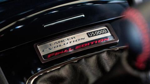 Mitsubishi Lancer Evo Final Edition sedan deportivo blanco eeuu