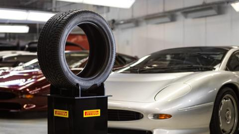 Neumático Pirelli Jaguar XJ220 Classic Clásico recambios P Zero