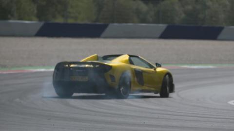 Chris Harris en el McLaren 675 LT Spider