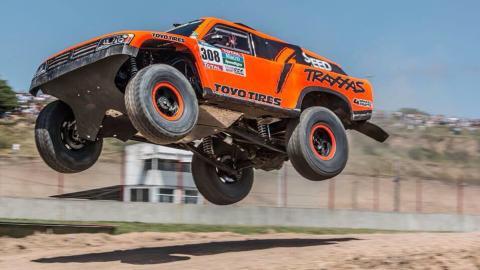 Las locuras de Robbie Gordon en el Dakar