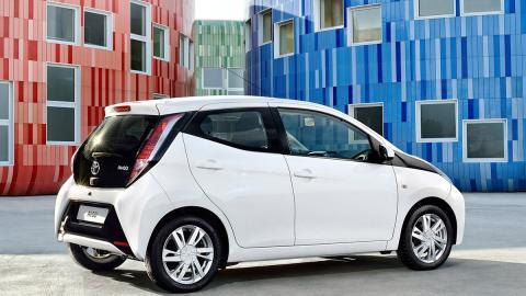 Coches nuevos entre 9.000 y 12.000 euros - Toyota Aygo