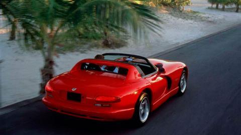 Coches más lentos que el Audi RS5: Dodge Viper (II)