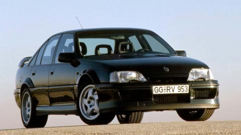 Opel Lotus Omega sedan deportivo