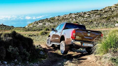 Los rivales del Kuga 2017 más locos que puedes encontrar - Nissan Navara