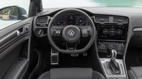 Interior Volkswagen Golf R 2017