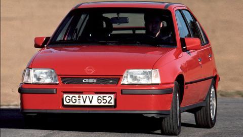 Llega el Opel Kadett GSi 2.0 en 1986... ¡ahora con cinco puertas!