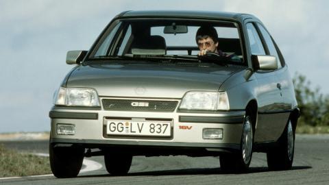 El Opel Kadett GSi, con 16 válvulas