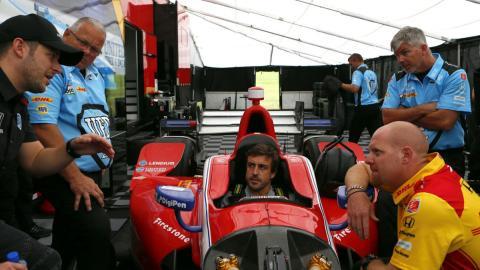 Primera toma de contacto de fernando Alonso con la Indycar