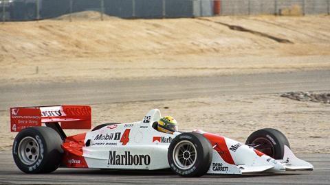 Senna con un Penske 1992 en el Firebird Raceway