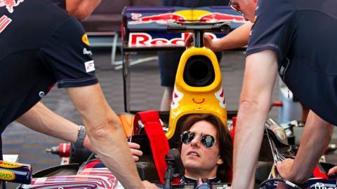 Tom Cruise en un Red Bull F1