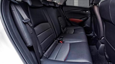 Mazda CX-3 plazas traseras SUV compacto