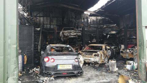 Incendio Nissan Skyline (I)
