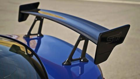 Subaru BRZ STI alerón fibra de carbono