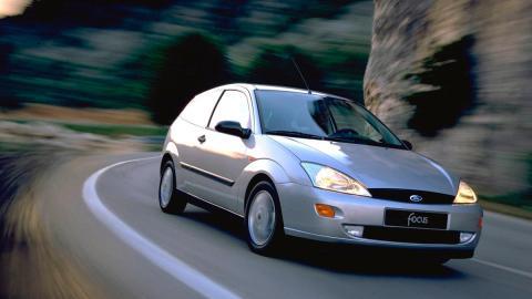 Ford Focus MkI compacto antiguo
