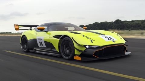 Aston Martin Vulcan AMR Pro superdeportivo hiperdeportivo circuito deportivo