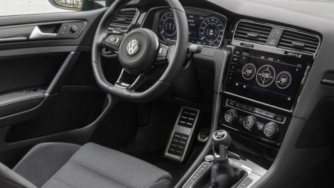 Coches para aprender a conducir con cambio manual: VW Golf R (II)