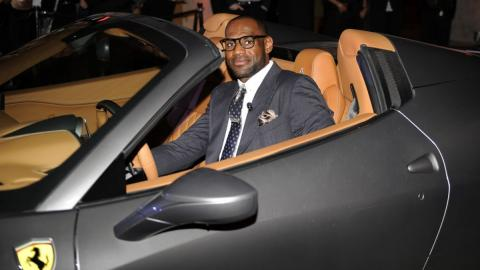 Los coches de LeBron James, las coronas automovilísticas del Rey de la NBA