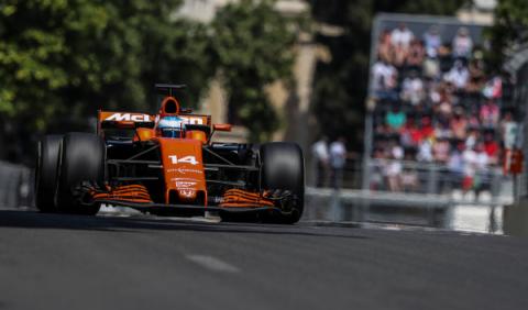 GP Azerbaiyán 2017: Alonso, noveno, soñando con ganar