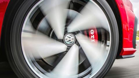 Los próximos Golf GTI y Golf R serán más potentes y ligeros