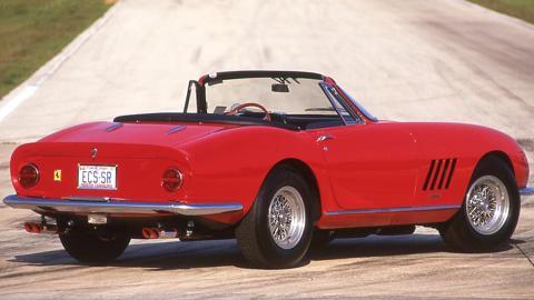 Zaga del Ferrari 275 GTB/4 NART Spider 1967