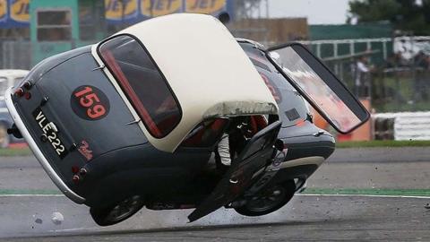 El porrazo de Brian Johnson en Silverstone