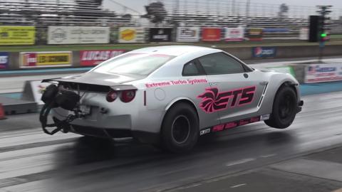 Un GT-R de 3.000 CV reventando el cuarto de milla a 360 km/h