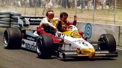 Niki Lauda y Alain Prost de paseo en el FW09 de Jacques Lafitte en el GP USA 1984, Dallas