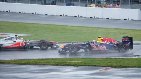 2011_Canadian_GP_-_Hamilton-Webber