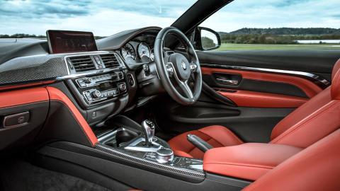 BMW M4 M Competition (interior)
