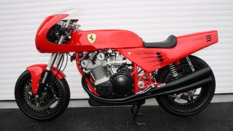 Plano lateral moto Ferrari