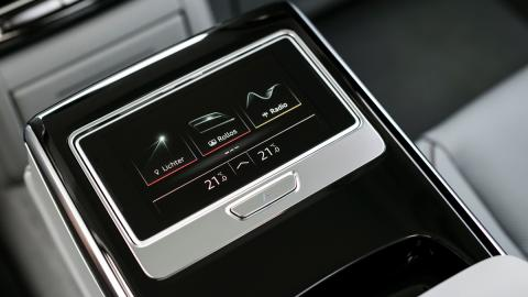 Prueba Audi A8 2017 (pantalla trasera)