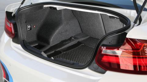 Prueba BMW M2 M Performance (maletero)