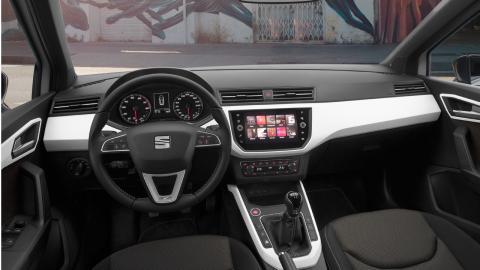 Seat Arona interior plastico