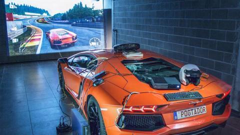 Un simulador de Forza 7... ¡creado con un Lamborghini Aventador!