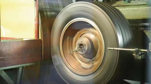 Testando una rueda en el CEMA