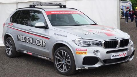 El BMW X5 que cumple las tareas de coche médico en Oulton Park