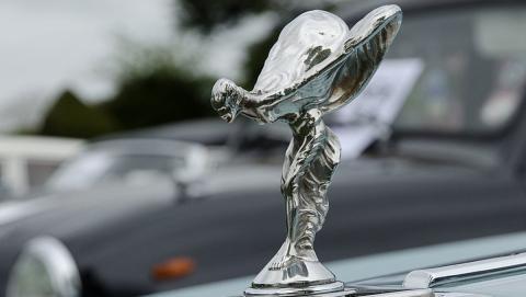La estatuilla de los Rolls-Royce basada en una española