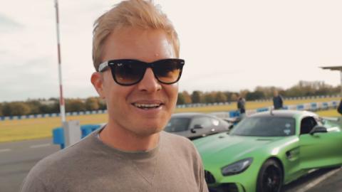 Nico y un AMG GT R