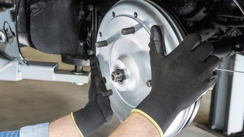 ¡Porsche vuelve a los frenos de tambor!