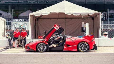 Prueba Ferrari FXXK (Chris Harris a bordo)