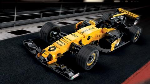 Renault RS17 Lego