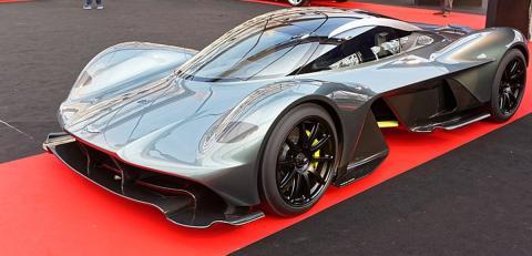 El Aston Martin Valkiria y otros coches de Daniel Ricciardo